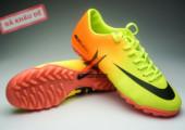 Giày đá bóng Nike Mercurial Vapor TF vàng cam gia re. Random