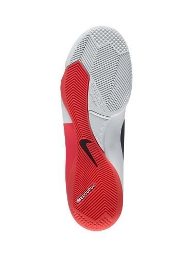 tin the thao vip cach chon giay da bong san co nhan tao dinh futsal 2 Cách chọn giày đá bóng sân cỏ nhân tạo phù hợp