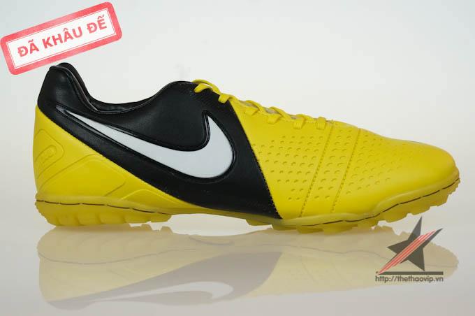 giay da bong san co nhan tao Nike ctr360 mau vang tai Ha Noi
